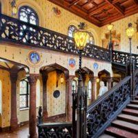 Замок-дворец Сихров - парадная лестница