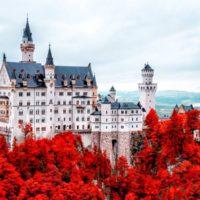 Замок Нойшванштайн (Schloss Neuschwanstein) - осень